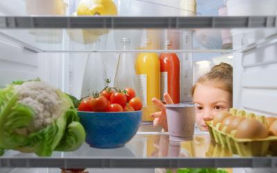 Nettoyer son frigo avec des produits naturels, c'est facile!